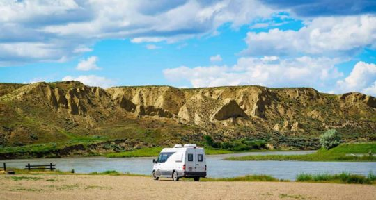 How to find a safe place to park your RV for the night