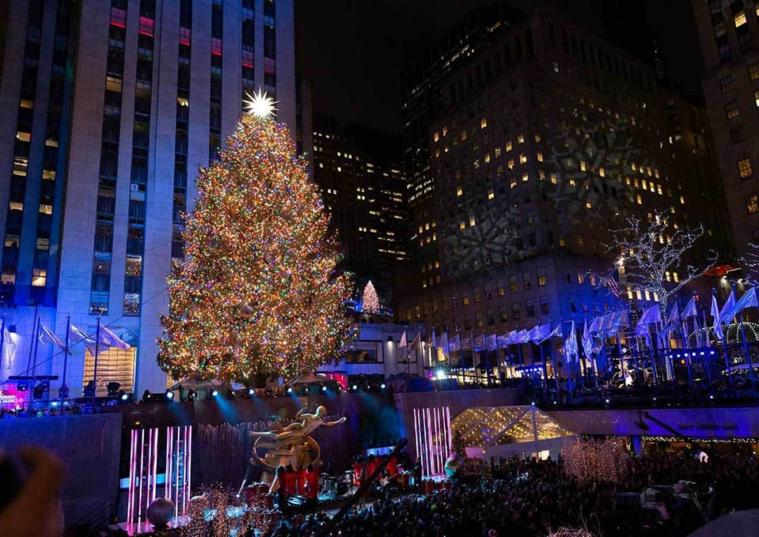 from tin cans to swarovski crystals how the rockefeller center christmas tree became a holiday icon roadtrippers the rockefeller center christmas tree