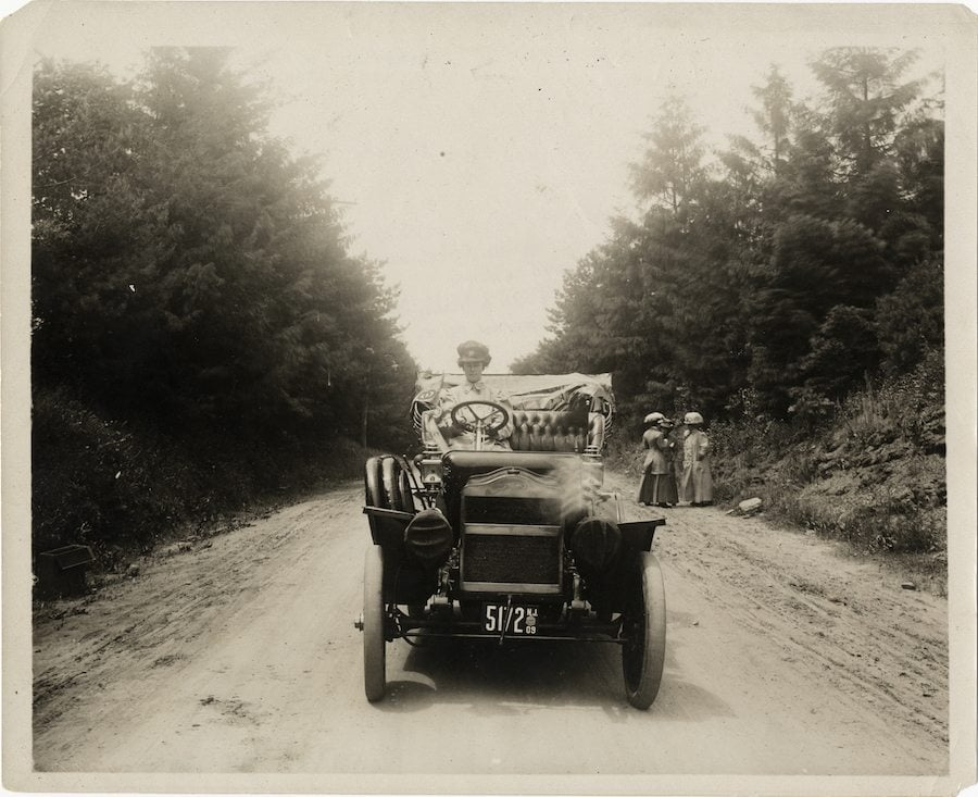 Alice Huyler Ramsey was the only one in the group who knew how to drive.