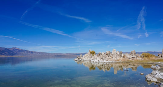 Tufa towers, volcanic rocks, and an alien landscape at California's Mono Lake